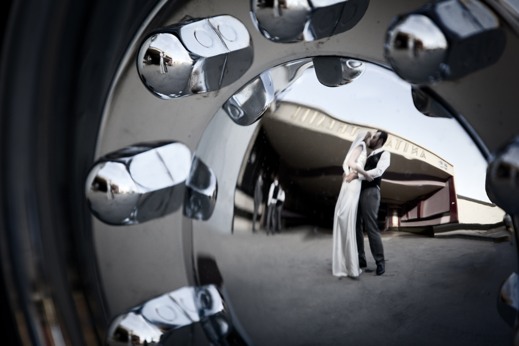 wedding photography wollongong hughes kiss 3